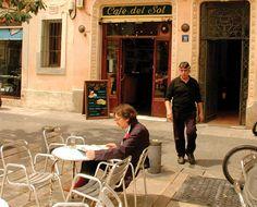 Barcelona's Top 10 : Perfect Squares - Plaça de Santa Maria    The magnificent Església de Santa Maria del Mar imbues its namesake plaça, in the El Born district, with a certain spiritual calm. Bask in its Gothic ambience, people watch, and soak up the sun at one of the outdoor terrace cafés.