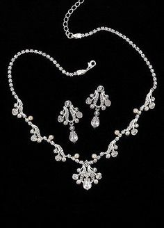"Pearl Drops and Crystal Set>> ""DROP"" dead gorgeous!!"
