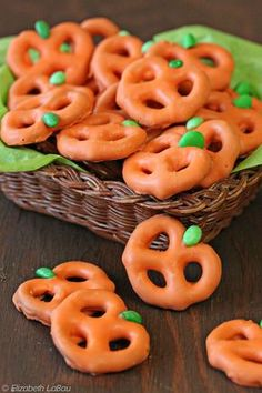 Pretzel Pumpkins - three ingredients and ten minutes are all you need! | from candy.about.com #halloween #fall #candy