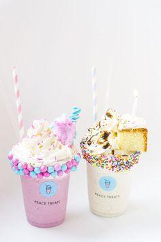 El With Mary Kay - Snacks für gäste - Helados Ideas Dessert Drinks, Yummy Drinks, Delicious Desserts, Yummy Food, Dessert Kawaii, Cute Food Wallpaper, Dessert Original, Unicorn Foods, Milkshake Recipes