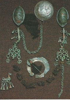Viking age, but not Viking, FInnish instead / Finland / Tuukkala Viking Symbols, Viking Art, Viking Warrior, Viking Woman, Ancient Vikings, Norse Vikings, Medieval Jewelry, Viking Jewelry, Norse People
