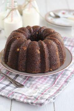 Bundt cake de avellanas, yogur y cacao Bunt Cakes, Cupcake Cakes, Cheesecake Recipes, Dessert Recipes, Pond Cake, Bakery Cakes, Drip Cakes, Biscuit Recipe, Sweet Cakes