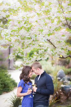 Big romance, big style with this Napa Valley engagement session. Cheers!