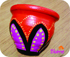 Macetas pintadas a mano full color! Clay Pot People, Painted Pots, Pottery Painting, Terracotta Pots, Clay Pots, Garden Pots, Art Lessons, Flower Pots, Art Projects