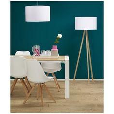 Stehlampe TRIVET weiß/Natur http://www.shopforliving.de/Stehlampe-TRIVET-weiss-Natur Stuhl Tolik http://www.shopforliving.de/Stuhl-TOLIK-weiss