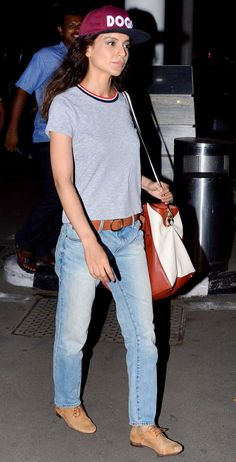 Kangana Ranaut spotted at the Mumbai airport after returning from 'Katti Batti' shoot. #Bollywood #Fashion #Style #Beauty