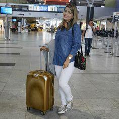 ✈Indo ali comemorar meu aniversário⛄❄ Look Total Diva´s Boutique!!! E ai meninas gostaram?!! Curte comenta aqui  Super beijo #DivasBoutique #diva #DivaViaja #verao2017 #preview #instamoda #style #comprasonline #Lojademoda #boutique #Caruaru #Recife #Passira #RafaelaSantiago #aerolook #diva #job #blogueira #blogger #exclusivo #blogueiras #blogueirasrecife #fashion #fashionista #fashionblogger #instafashion #ootd #lookdodia #look #selfie #ootn #instablogger