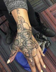 Tribal Hand Tattoos for Women Beautiful . Tribal Hand Tattoos for Women Beautiful . Unique Hand Tattoos, Tribal Hand Tattoos, Side Hand Tattoos, Hand Tattoos For Women, Hand Tats, Forearm Tattoos, Finger Tattoos, Maori Tattoos, Geometric Tattoos