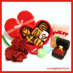 A romantically charming felt food Valentine's Day set of gifts. #felt #crafts #food #felt_food #DIY #cute #kawaii
