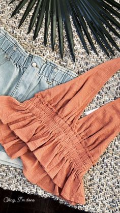 Simple Summer to Spring Outfits to Try in 2019 – Prettyinso Cute Summer Outfits, Stylish Outfits, Spring Outfits, Summer Ootd, Summer Clothes, Cute Summer Shirts, Winter Outfits, Spring Summer, Mode Outfits
