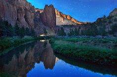 Hiking Smith Rock State Park, Oregon, US
