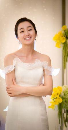 Kim Rae Won and Soo Ae Sad Yet Beautiful Wedding Kiss - Drama Haven Wedding Kiss, Star Wedding, Wedding Ceremony, Kim Rae Won, Girl Fashion, Fashion Dresses, Korean Dress, Korean Actresses, Korean Celebrities