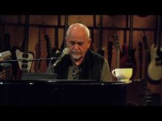 "Peter Gabriel ""Here Comes the Flood"" on Guitar Center Sessions"