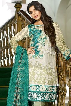 Sana Safinas Unstitched Lawn Suits For Women 2017 Pakistani Clothes Online, Pakistani Outfits, Stylish Dress Designs, Stylish Dresses, Pakistan Fashion Week, Party Kleidung, Middle Eastern Fashion, Eid Collection, Designer Collection