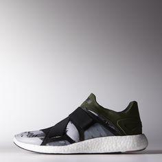 In de doorschijnende, gestroomlijnde adidas by Stella McCartney Pure Boost schoenen loop je hard met de energieteruggave van een boost™-middenzool. Met een oogstrelende print op het sokachtige bovenwerk.