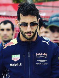 Daniel Ricciardo Alain Prost, Jackie Stewart, Red Bull Racing, F1 Racing, Grand Prix, Baby Driver, Daniel Ricciardo, Honey Badger, F1 Drivers