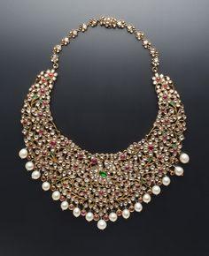 An heirloom polki necklace by Amrapali Jewels, Jaipur. Mughal Jewelry, India Jewelry, Royal Jewelry, Jewelry Sets, Bridal Necklace, Necklace Set, Bling, Wedding Jewelry, Bridal Jewellery