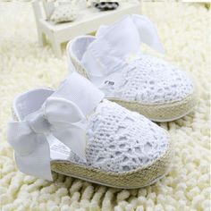 Cheap lace baby shoes, Buy Quality baby shoes directly from China summer baby shoes Suppliers: summer baby shoes Bowknot Baby Girl Lace Shoes Toddler Prewalker Anti-Slip Shoe kawaii lace Baby Shoe Crochet Baby Shoes, Crochet Slippers, Crochet Clothes, Shoe Pattern, Bow Shoes, Baby Girl Shoes, Toddler Shoes, Baby Booties, Crochet Crafts
