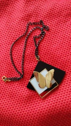 butterfly necklace from perspex- plexiglas and metal. farfalla collana da perspex e metallo. κολιέ πεταλούδα με πλέξιγκλας και μέταλο