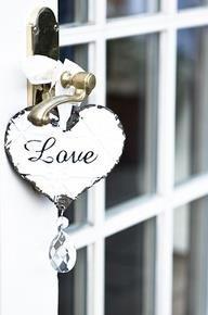 Love hartje aan deur