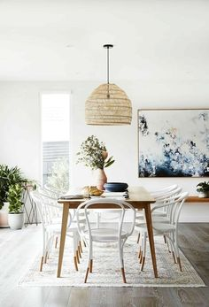 Get inspired by these dining room decor ideas! From dining room furniture ideas, dining room lighting inspirations and the best dining room decor inspirations, you'll find everything here! Luxury Dining Room, Dining Room Design, Dining Room Sets, Dining Tables, Designer Dining Chairs, Dinning Room Art, Beach Dining Room, Mid Century Dining Table, Rattan Dining Chairs