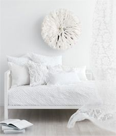 Wonderful white accessories - Style At Home #texture #elegance #simplicity
