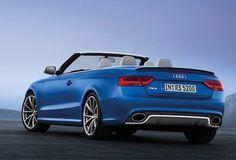 """Audi RS5 Cabriolet: """"Concerto all'aperto""""  Motore V8 4.163 aspirato con iniezione diretta FSI, potenza massima 450 CV a 8.250 giri/min. e accelerazione 0-100 km/h in 4""""9/10 rappresentano i punti salienti della Audi RS5 Cabriolet.  Analizzando i dettagli, il propulsore viene assemblato a mano nello stabilimento ungherese..."""