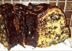 Είναι και κάποιες φορές που θέλω ένα κέικ γρήγορο,νόστιμο μαλακό κι αφράτο,αλλά χωρίς να μπω στη διαδικασία να χτυπήσω αυγά με ζάχαρη ή β...