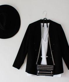 MINIMAL + CLASSIC: White tee, black blazer + black crossbody bag