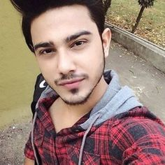 Beautiful Boy Image, Cute Love Images, Best Poses For Men, Good Poses, Handsome Indian Men, Handsome Boys, Best Facebook Profile Picture, Indian Male Model, Photoshoot Pose Boy