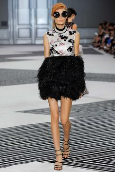 Giambattista Valli Fall 2015 Couture Collection Photos - Vogue. Model: Alexandra Elizabeth (Elite)