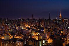 Noite cidade - Night City by Caio C. [P I R A T U S], via Flickr