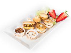 Snacks y canapés de Laduc. Miniaturas exquisitas. Snack, Mini Cupcakes, Desserts, Food, Breads, Miniatures, Tailgate Desserts, Deserts, Essen