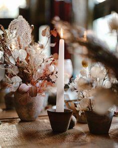 Dryed flowers, wedding setting Food Design, Wedding Sets, Wedding Designs, Food Photography, Wedding Decorations, Candles, Flowers, Instagram, Wedding Decor