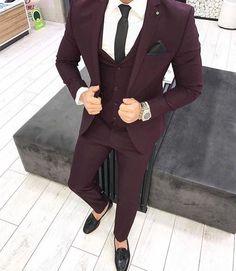 Stylish Business Outfit Ideas For Men 26 mens business outfit Blazer Outfits Men, Mens Fashion Blazer, Suit Fashion, Fashion Rings, Womens Fashion, Maroon Suit, Blue Suit Men, Burgandy Suit Men, Marriage Suits