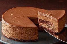 チョコ好きの方が喜びそうなチョコレートベースの誕生日ケーキをご紹介!ガトーショコラ、生チョコクリームのケーキなど、色々な対応のチョコレートケーキを集めてみました。