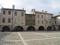 dans le Quercy blanc, joli village de LAUZERTE Tarn et Garonne.