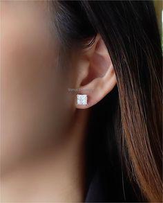 Solitaire Earrings, Diamond Earrings, Diamond Jewelry, Princess, Color, Fashion, Diamond Jewellery, Moda, Fashion Styles