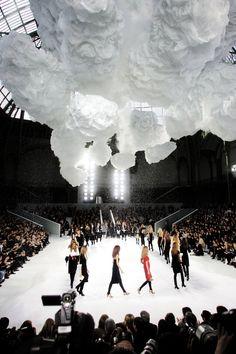 Chanel Fall/Winter 2007 RTW runway finale during Paris Fashion Week.