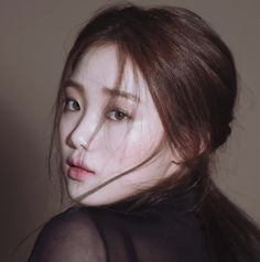 Image shared by Josss. Find images and videos about drama, doctors and lee sung kyung on We Heart It - the app to get lost in what you love. Korean Actresses, Actors & Actresses, Korean Actors, Korean Beauty, Asian Beauty, Jong Hyuk, 1million Dance Studio, Korean Skincare Routine, Korean Celebrities