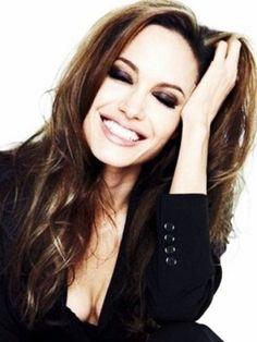 Angelina Jolie | Artista | Filmow