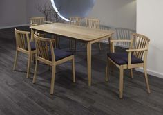 The warmth of wood - create an amazing atmosphere in the room. #dinnerroom #familytable #KloseFurniture