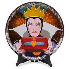 Evil Queen  Disney Vililans Porcelain Plate Limited to 1000 Pieces  Comes with Certificate of Authenticity