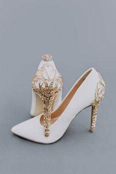Marvel imagines pt.4 - Tell me you love me 🌿 Loki - Wattpad Fancy Shoes, Pretty Shoes, Beautiful Shoes, Cute Shoes, Me Too Shoes, Wedding Shoes Heels, Bride Shoes, Prom Shoes, Sandals Wedding