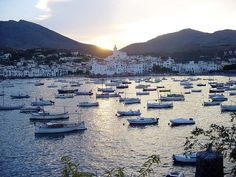Cadaqués is a town near Girona. Vacations To Go, Vacation Spots, New Travel, Spain Travel, Wonderful Places, Great Places, Cadaques Spain, Buddha Bar, Juan Les Pins