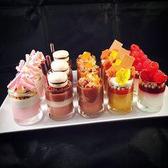 Parfait Desserts, Gourmet Desserts, Fancy Desserts, Delicious Desserts, Dessert Recipes, Yummy Food, Mini Dessert Cups, Dessert Bars, Dessert Table