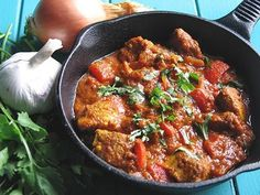 Wrath - Chicken Jalfrezi, this Indian curry seems very hot from all of the spicy ingredients but the comments were that it's not too hot, in fact, it's just right, and it's very tasty. It can be made with shrimp or prawns as well. Spicy Recipes, Curry Recipes, Indian Food Recipes, Asian Recipes, Chicken Recipes, Cooking Recipes, Free Recipes, Skillet Recipes, Cooking Tips