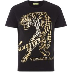 Versace Large Foil Tiger Graphic T-shirt (570 SAR) ❤ liked on Polyvore featuring men's fashion, men's clothing, men's shirts, men's t-shirts, versace mens shirt, mens gold foil t shirt, mens crew neck shirts, mens graphic t shirts and versace mens t shirt