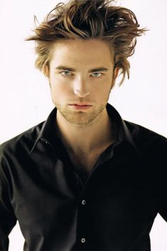 Robert Pattinson, pretty boy.