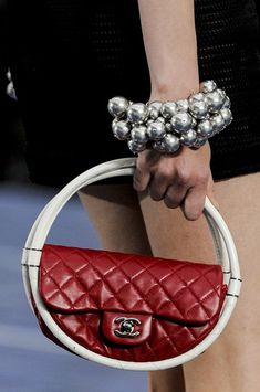 #Chanel Spring/Summer RTW 2013  #Pearls #Evening Bags #Details